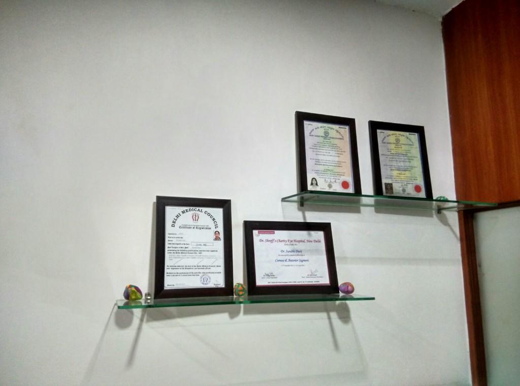 aanya-eye-clinic-safdargunj-enclave-south-delhi (4)